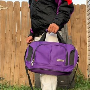 1980's VTG purple leisure bag 💼 suitcase gym bag